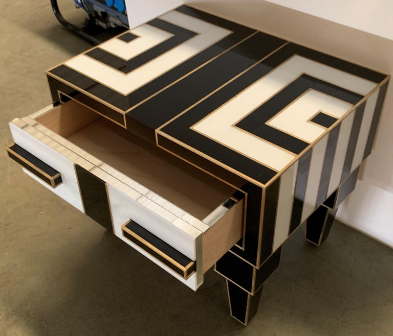 Pair of Mirrored and Brass Nightstands with One-Drawer in Black and White For Sale 5