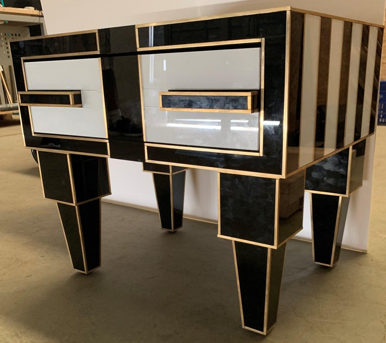 Pair of Mirrored and Brass Nightstands with One-Drawer in Black and White For Sale 6