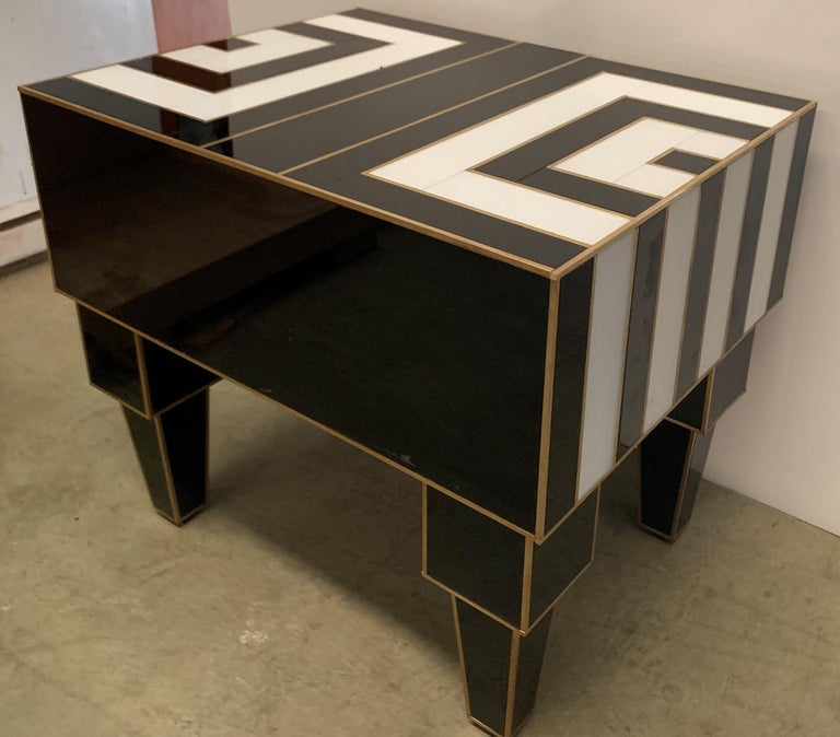 Pair of Mirrored and Brass Nightstands with One-Drawer in Black and White For Sale 7