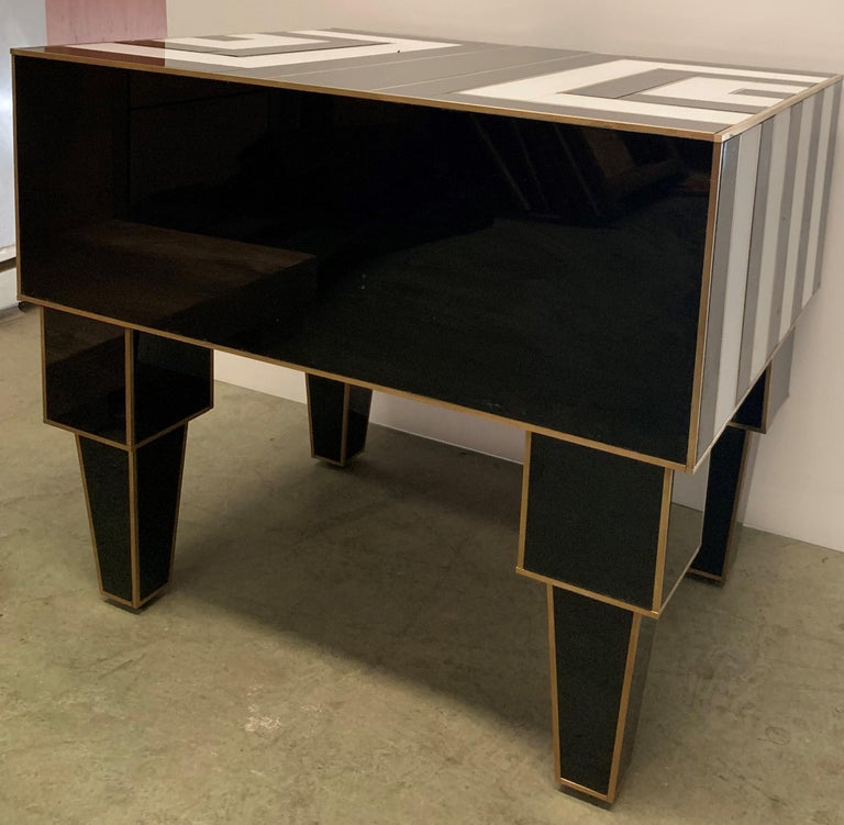 Pair of Mirrored and Brass Nightstands with One-Drawer in Black and White For Sale 8
