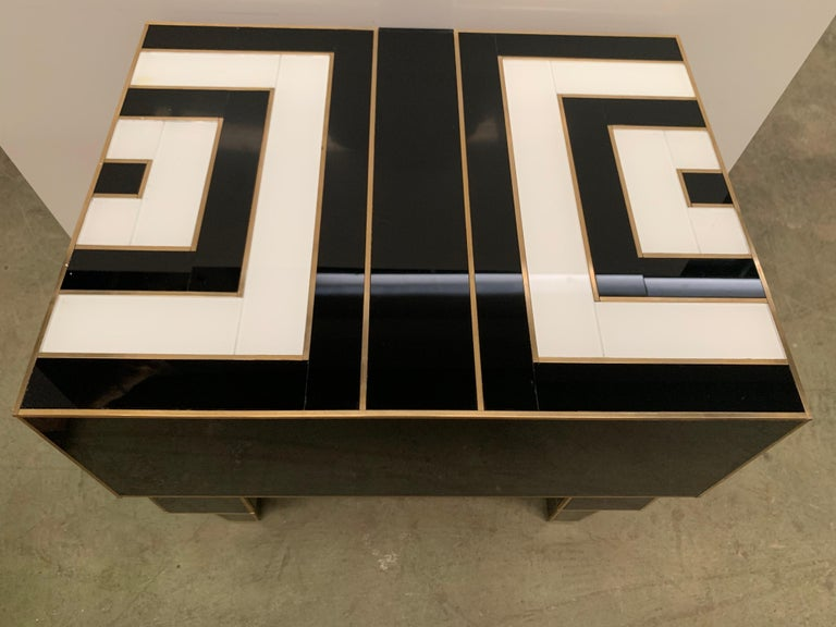 Pair of Mirrored and Brass Nightstands with One-Drawer in Black and White For Sale 10