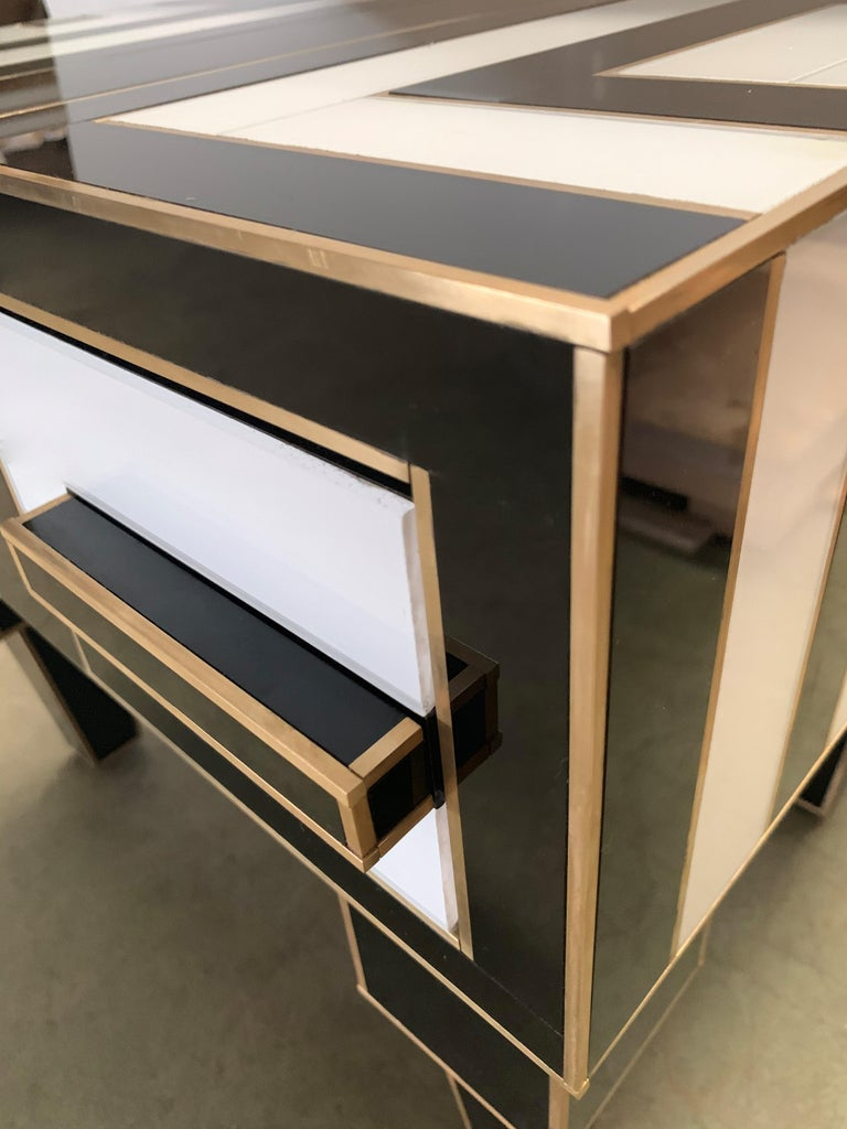 Pair of Mirrored and Brass Nightstands with One-Drawer in Black and White For Sale 12