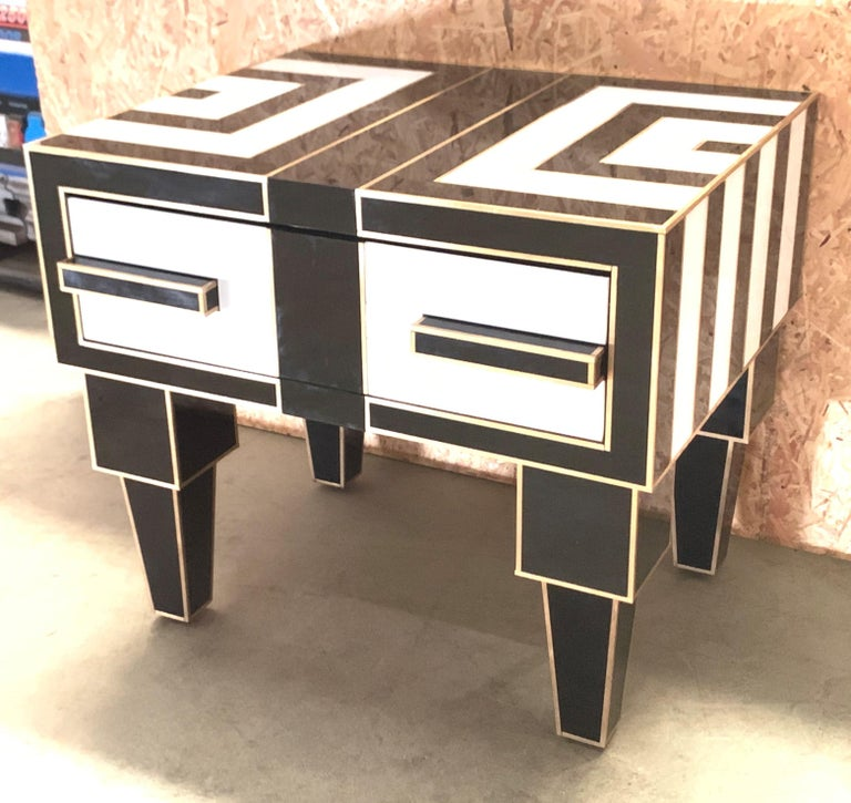 Pair of Mirrored and Brass Nightstands with One-Drawer in Black and White In New Condition For Sale In Miami, FL