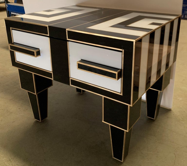 Pair of Mirrored and Brass Nightstands with One-Drawer in Black and White For Sale 2