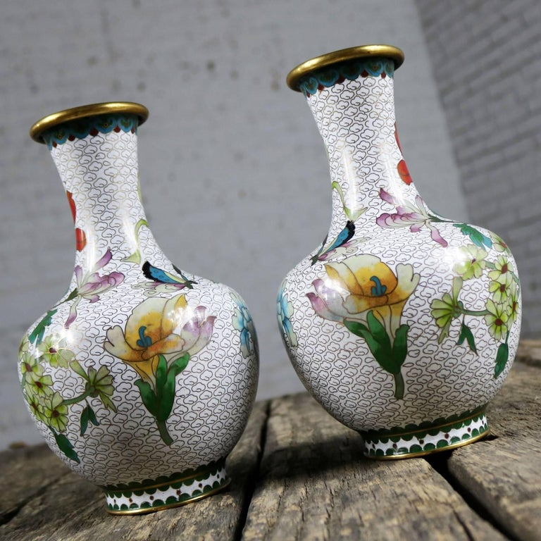 Pair of Mirrored Design White Cloisonné Vases Multicolored Floral and Butterfly In Good Condition For Sale In Topeka, KS