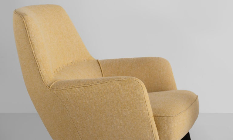 Pair of Mod Armchairs by Bergamo Isa, Italy, circa 1950 In Excellent Condition For Sale In Culver City, CA