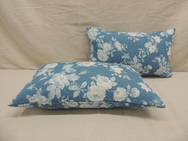 Hand-Crafted Pair of Modern Blue and White Quilted Cotton Floral Decorative Lumbar Pillows For Sale