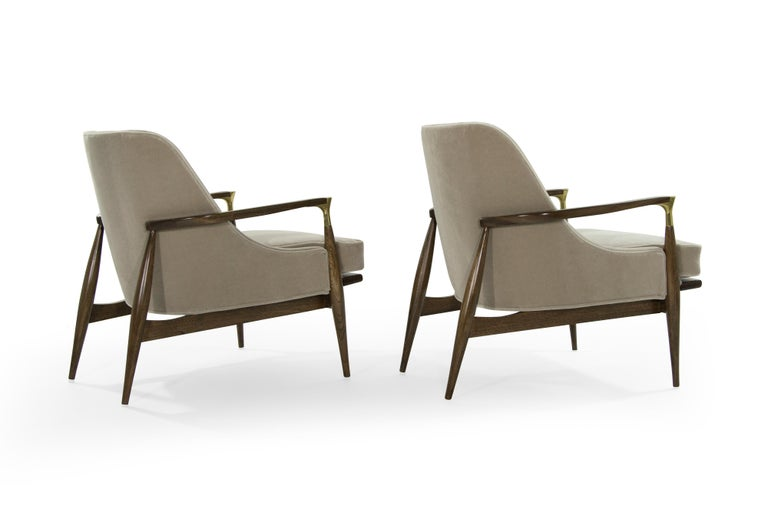 Pair of Modern Brass Accented Walnut Lounge Chairs, 1950s In Excellent Condition For Sale In Stamford, CT