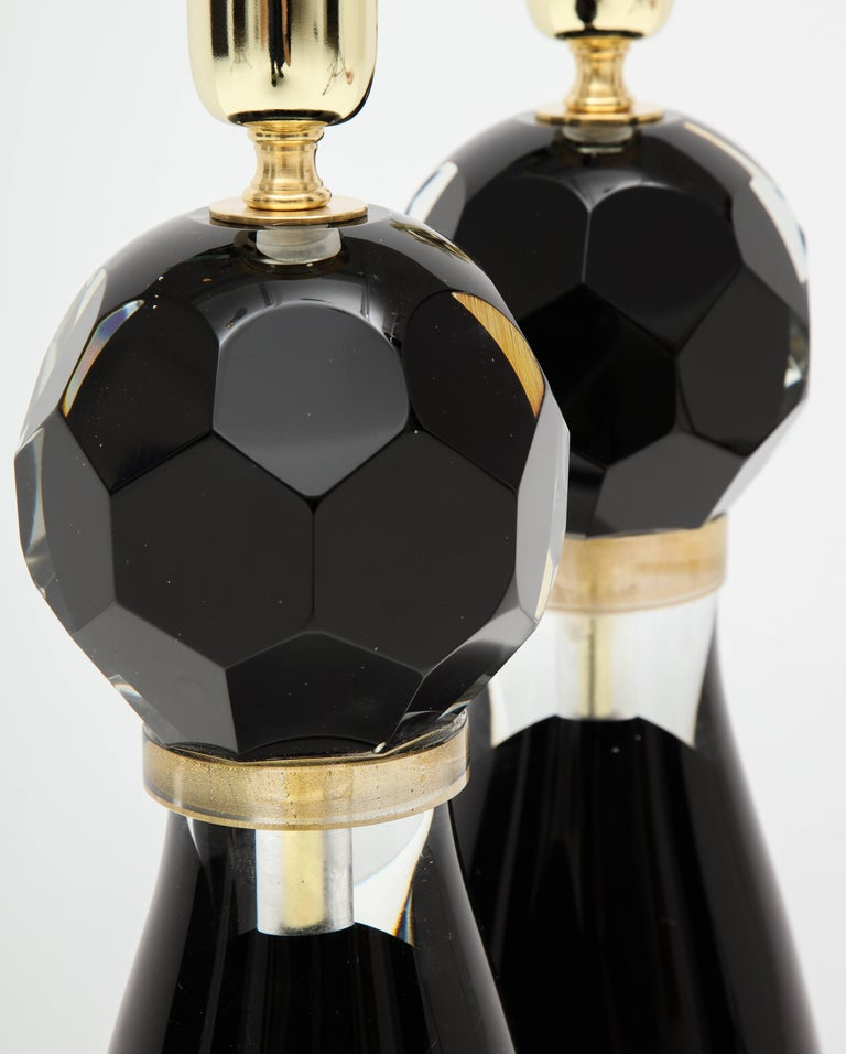Hand-Crafted Pair of Modern Italian Black and Gold Murano Glass Lamps, Signed For Sale