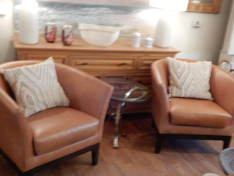 20th Century Pair of  Modern Italian Leather Club or Armchairs For Sale