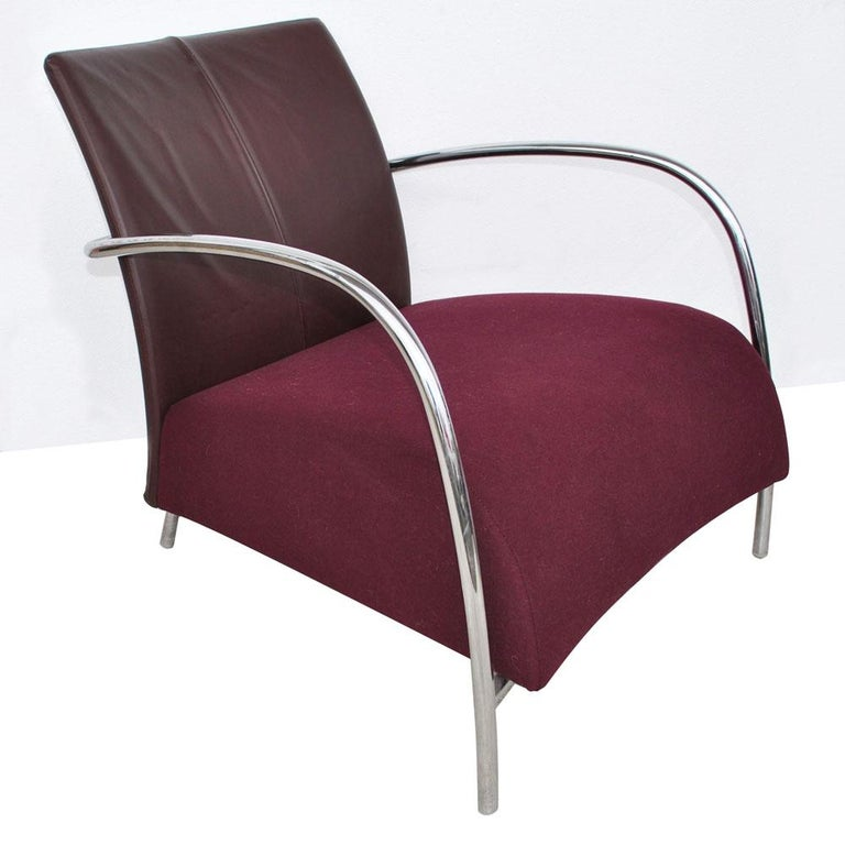 Contemporary Pair of Modern Italian Style Tubular Chrome Lounge Chairs For Sale