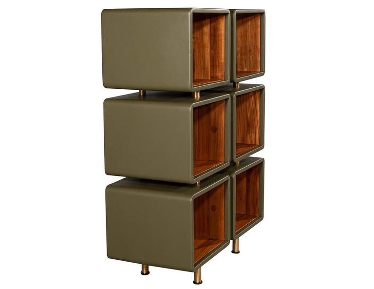 Pair of Modern Leather Clad Bookcases In Excellent Condition For Sale In North York, ON