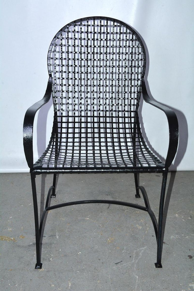Late 20th Century Pair of Modern Outdoor Wire Metal Arm Chairs and Coffee Table For Sale
