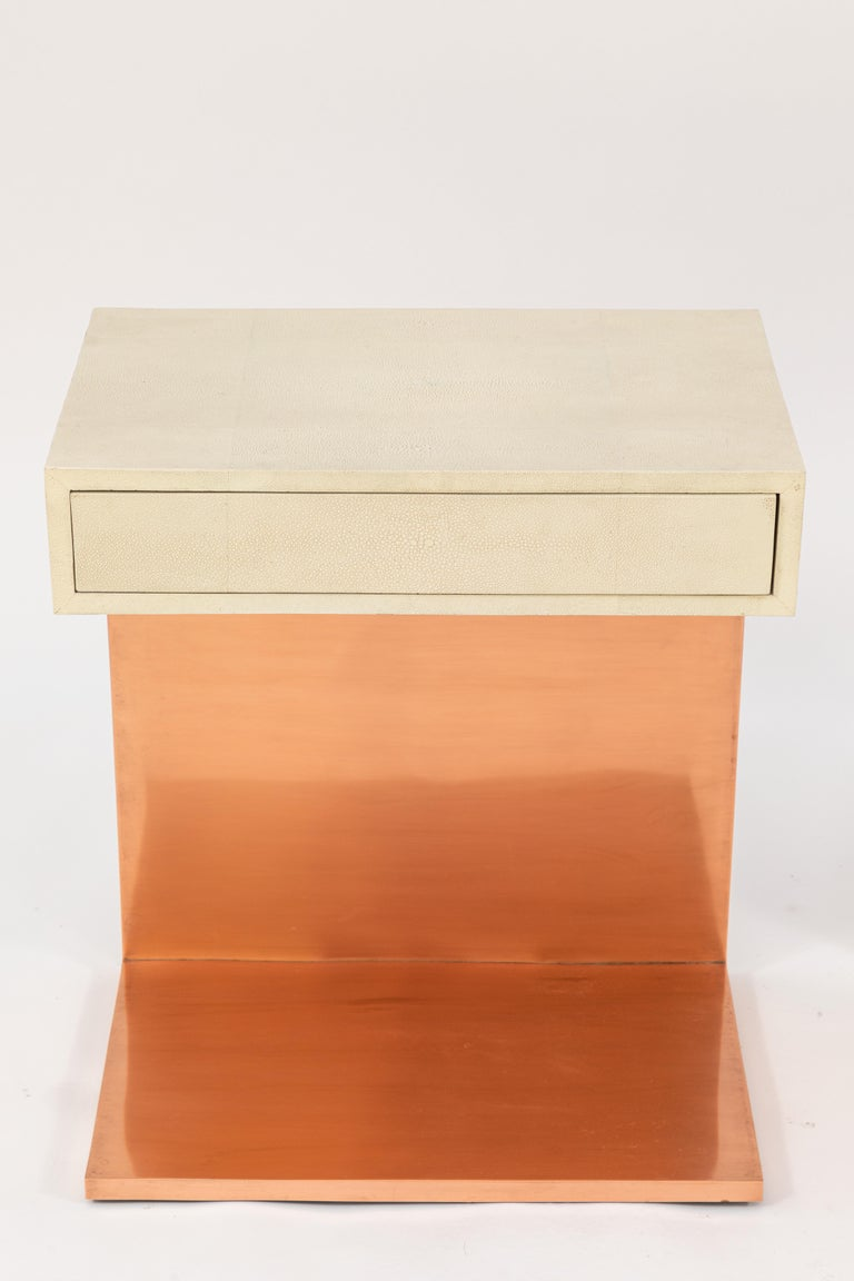Pair of Modern Side Tables with Shagreen Tops and Copper Finish In Good Condition For Sale In Los Angeles, CA