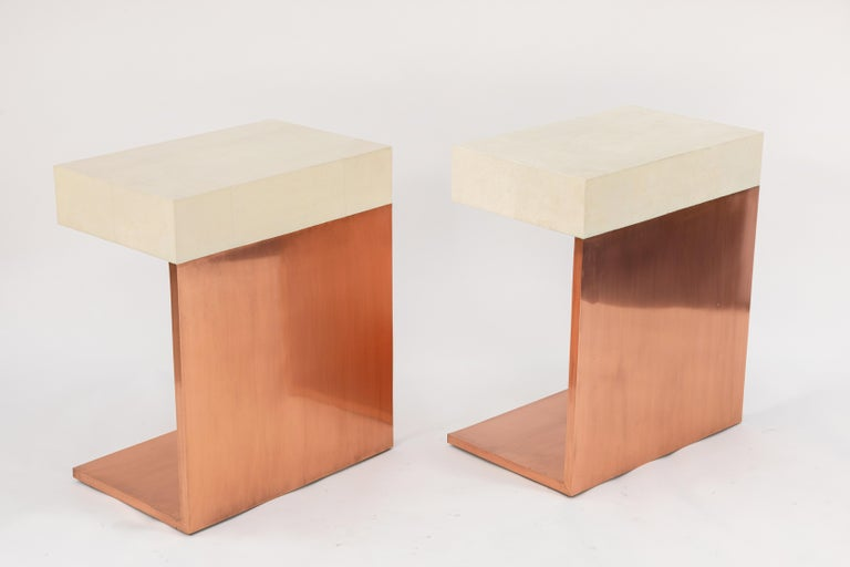 Pair of Modern Side Tables with Shagreen Tops and Copper Finish For Sale 4