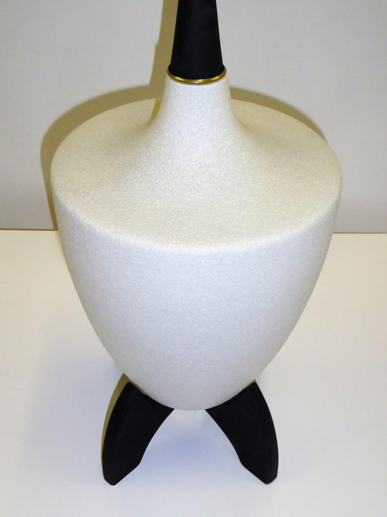 Pottery Pair of Modern Urn Shape Ceramic Table Lamps with Black Wood Stand and Neck For Sale