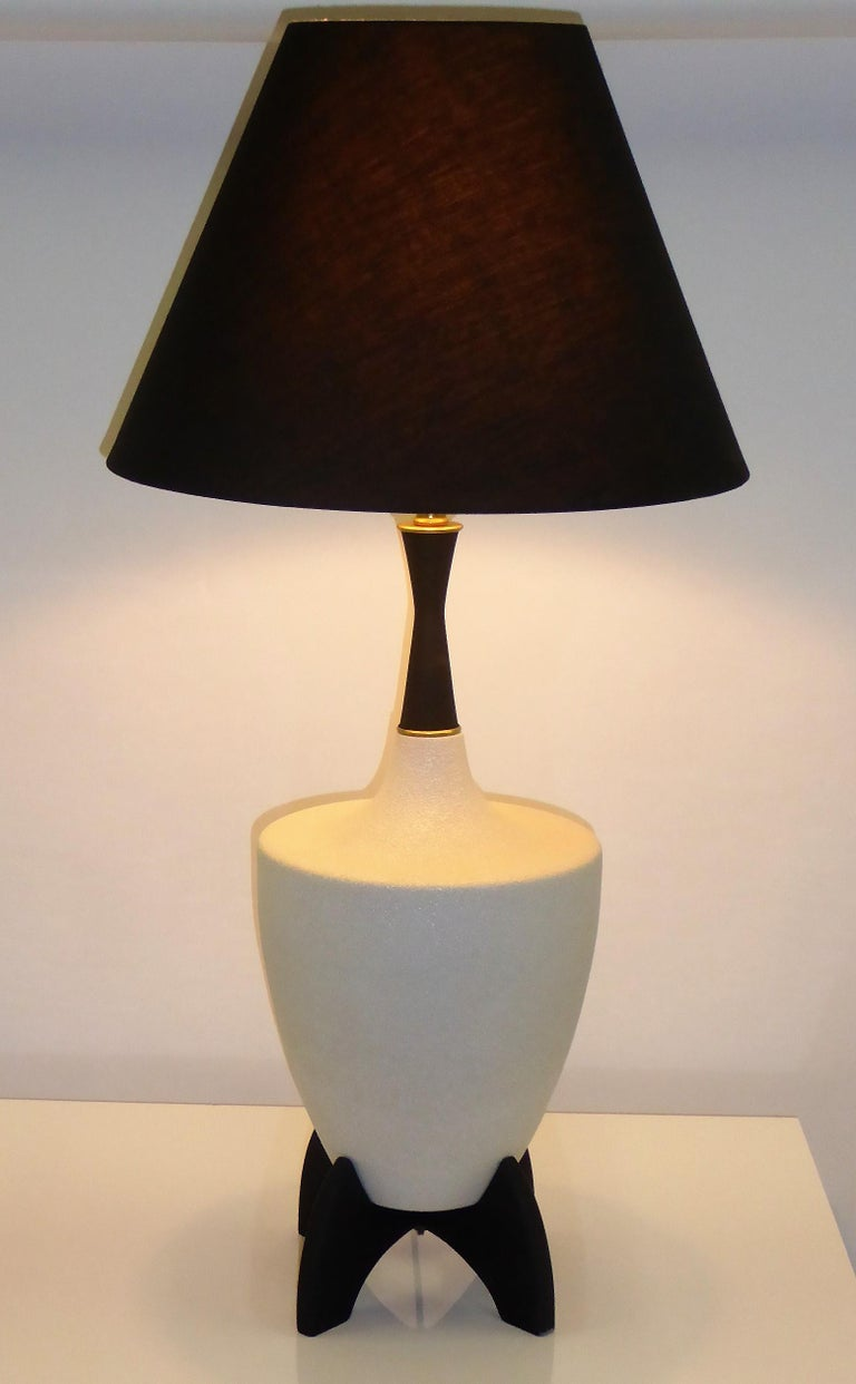 Pair of Modern Urn Shape Ceramic Table Lamps with Black Wood Stand and Neck For Sale 2