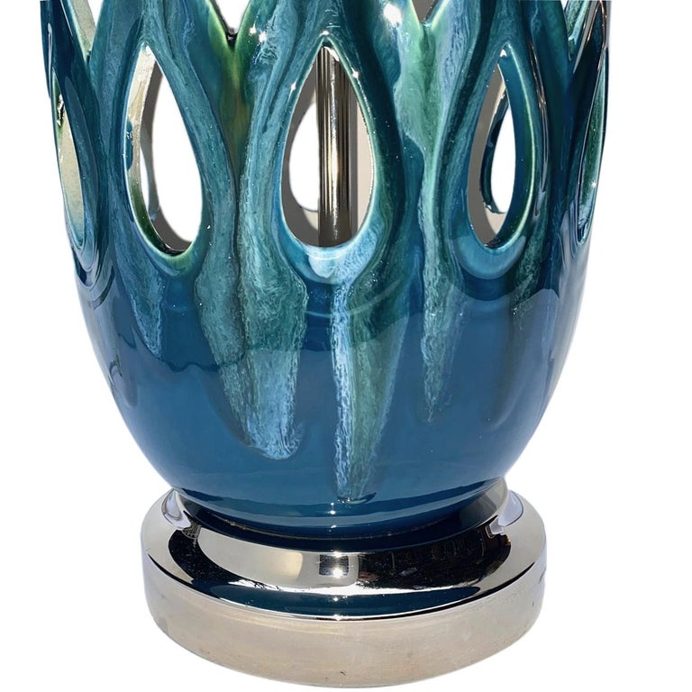 Hand-Crafted Pair of Moderne Style Blue Porcelain Lamps For Sale