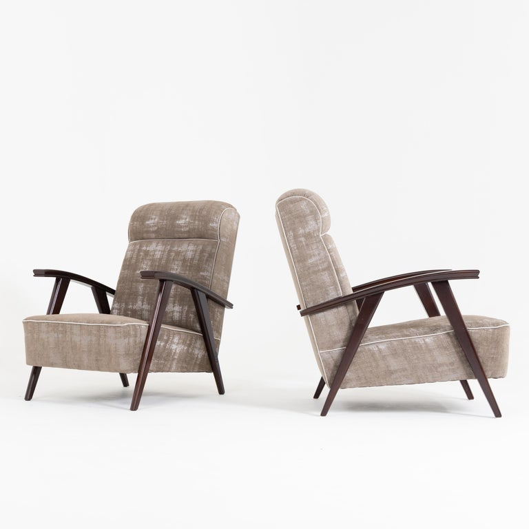 Pair of Modernist Armchairs Attributed to Jacques Adnet For Sale 1
