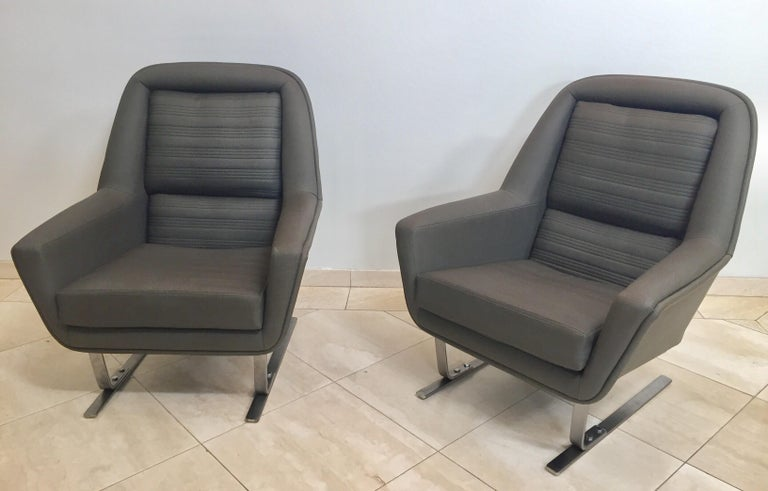 Rare and stunning pair of club lounge chairs, Augusto Bozzi, Saporiti style.