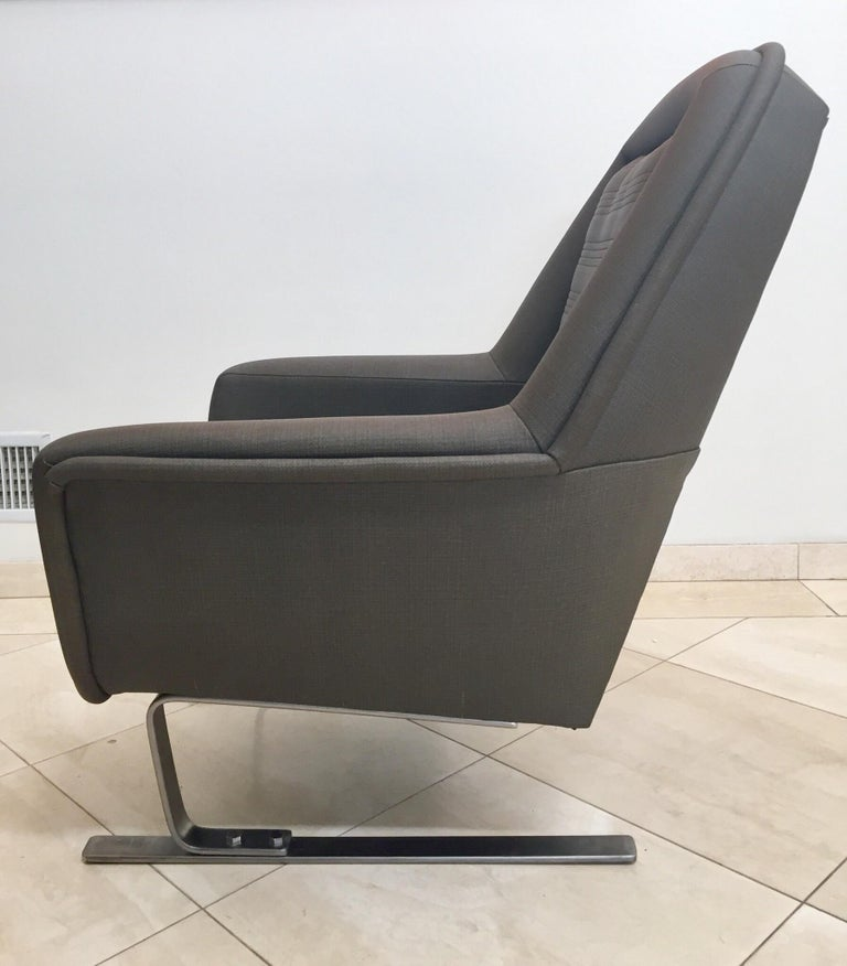 Pair of Modernist Cantilever Club Lounge Chair Augusto Bozzi Style, 1970 In Good Condition For Sale In North Hollywood, CA