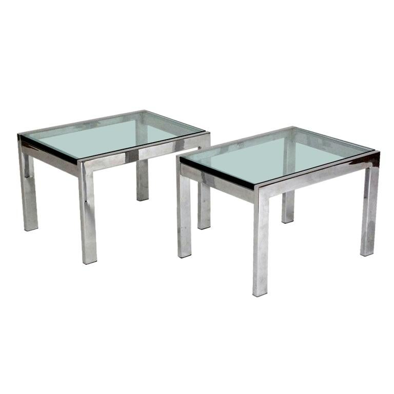 Charmant Pair Of Modernist Chrome And Thick Glass Side Tables
