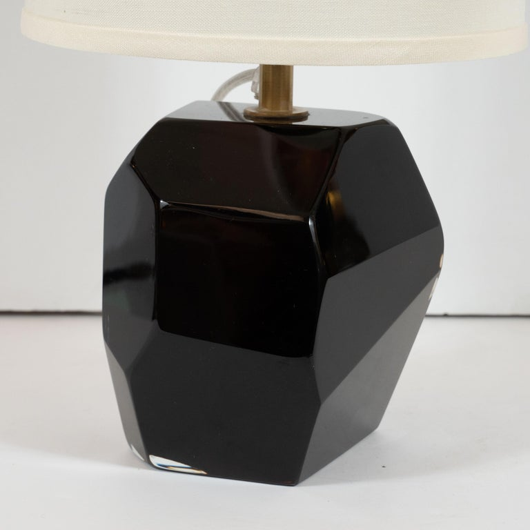 Pair of Modernist Faceted Lamps in Dark Sable Handblown Murano Glass In Excellent Condition For Sale In New York, NY