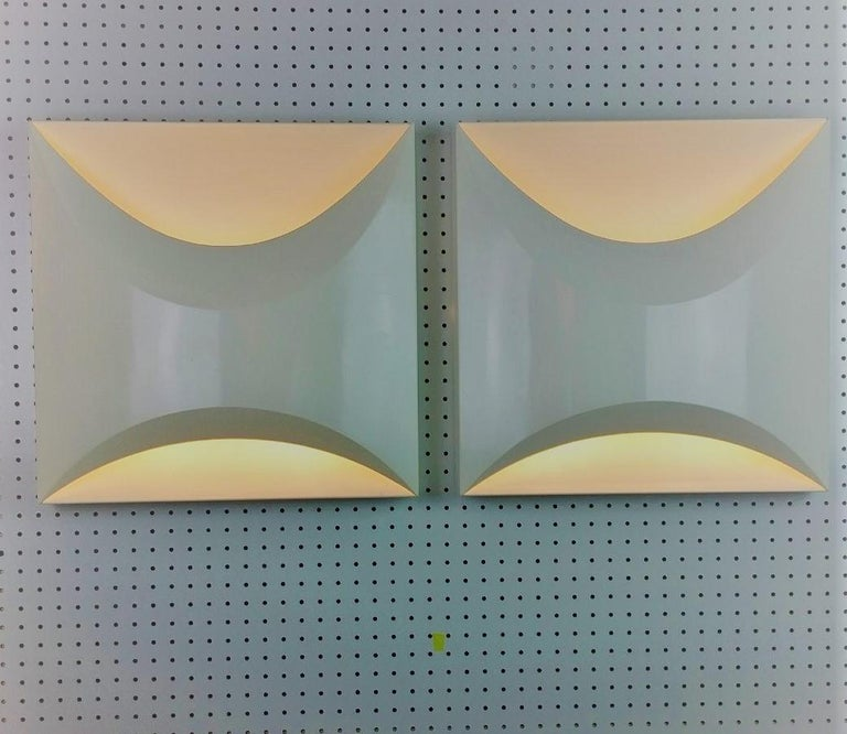 Pair of Modernist Square RAAK Amsterdam White Sconces / Flushmount Lighting For Sale 9