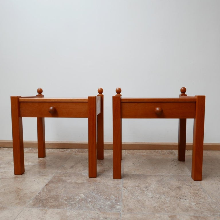 Mid-Century Modern Pair of Modernist Midcentury Bedside Tables or Side Tables For Sale