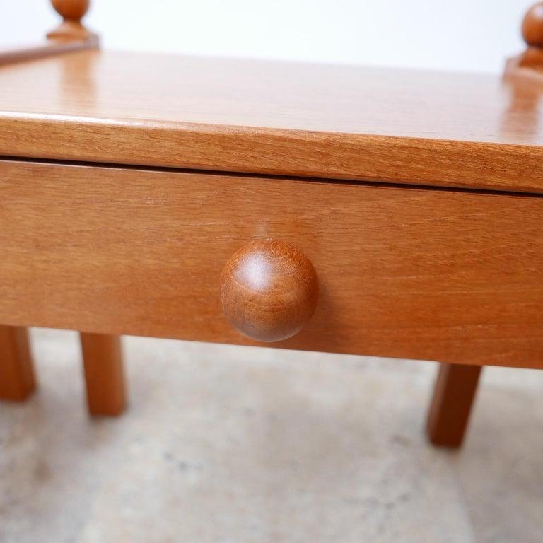 Pine Pair of Modernist Midcentury Bedside Tables or Side Tables For Sale
