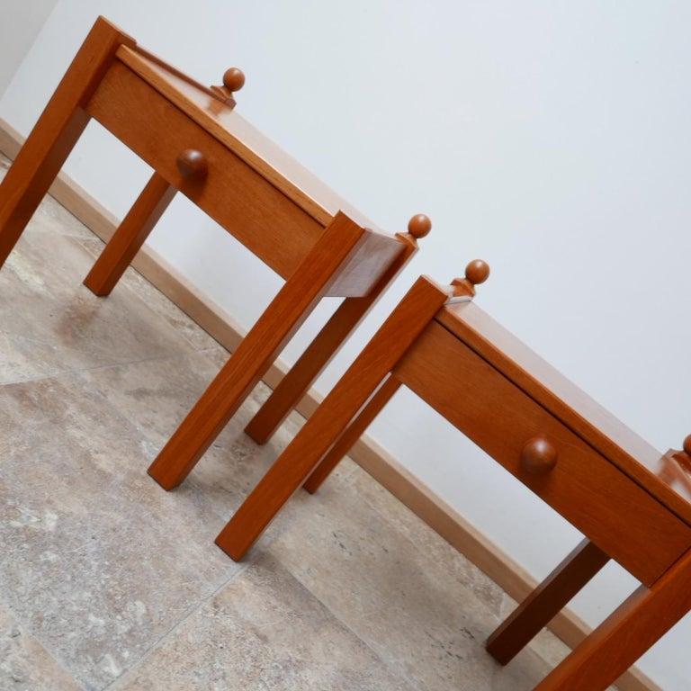 Pair of Modernist Midcentury Bedside Tables or Side Tables For Sale 1