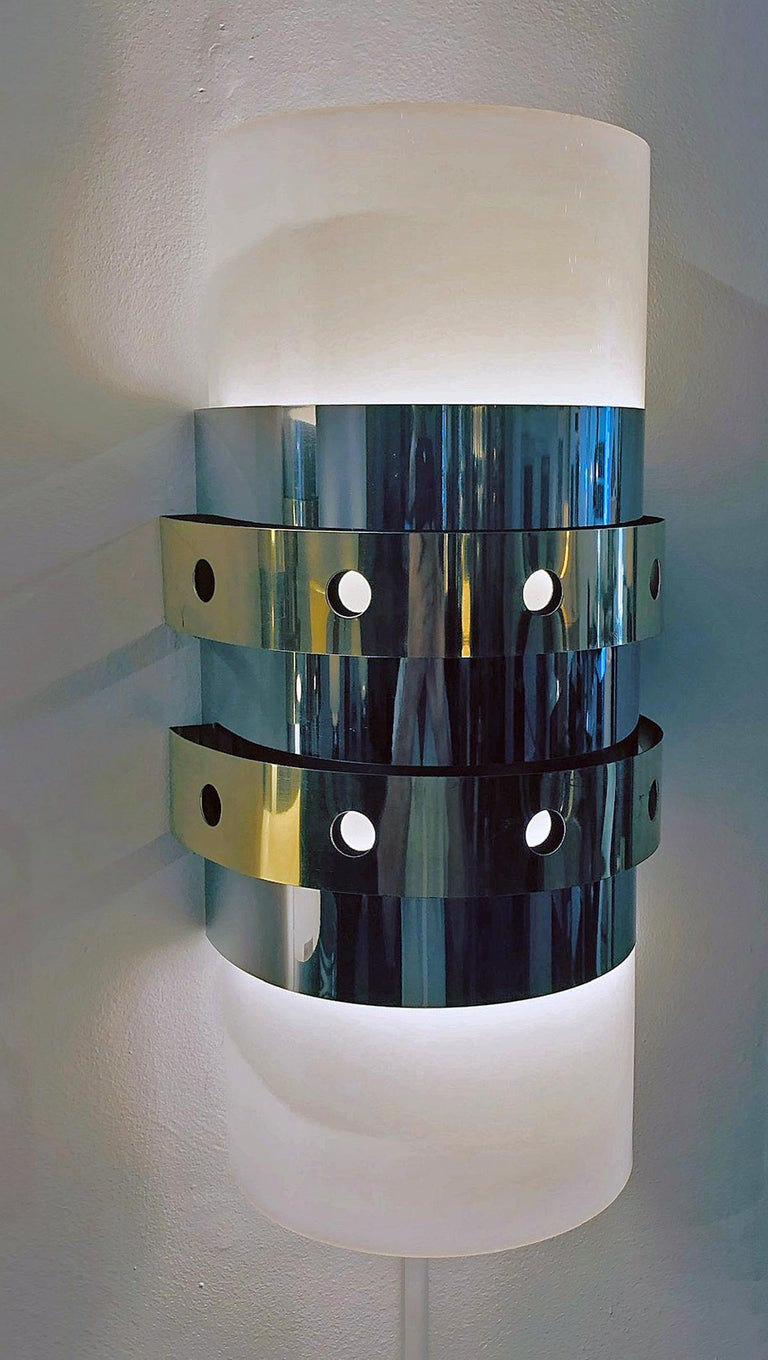 Mid-Century Modern Pair of Modernist Wall Sconces, 1970s For Sale