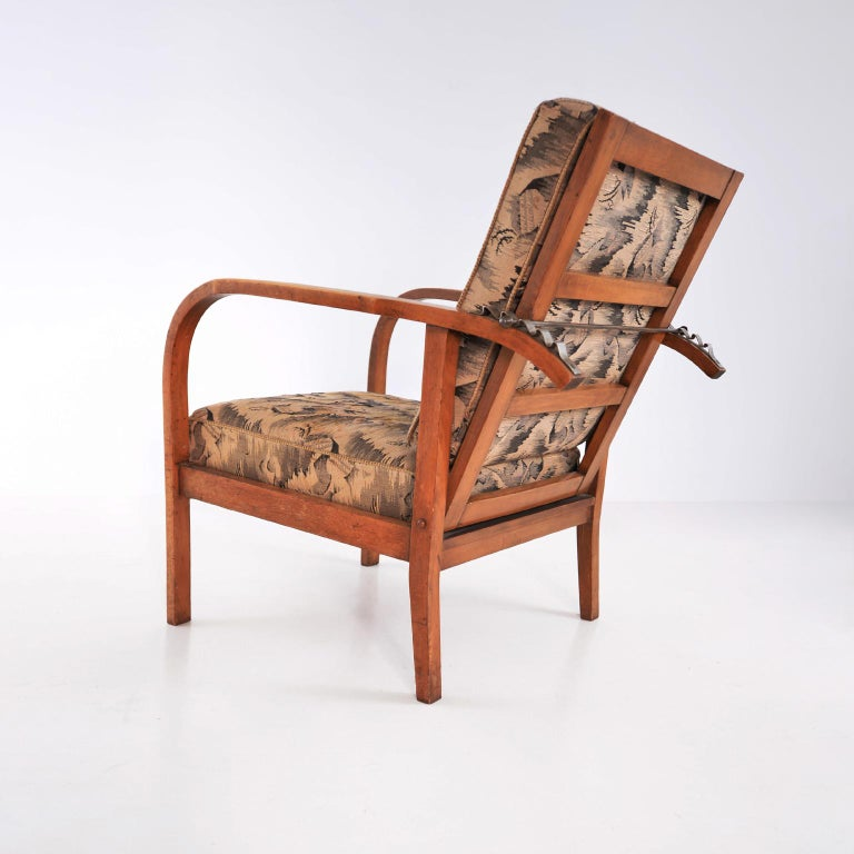 Pair of Modernist Wooden Armchairs by Jan Vaněk, Original Upholstery, circa 1935 In Good Condition For Sale In Berlin, DE