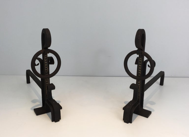 Pair of Modernist Wrought Iron and Brass Andirons, French, circa 1900 In Good Condition For Sale In Marcq-en-Baroeul, FR