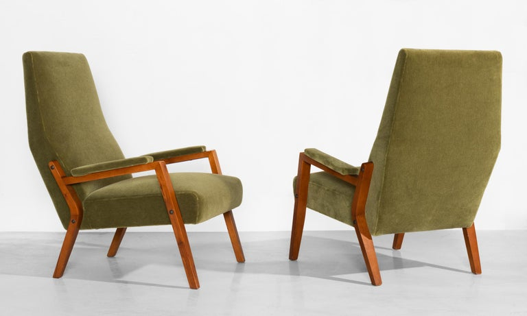 Mid-Century Modern Pair of Mohair Lounge Chairs, Italy, circa 1960 For Sale