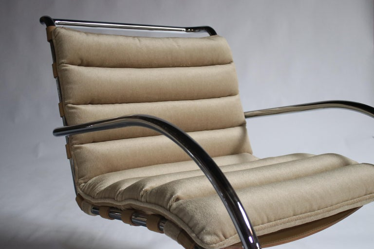Pair of MR Lounge Armchairs by Mies van der Rohe For Sale 4