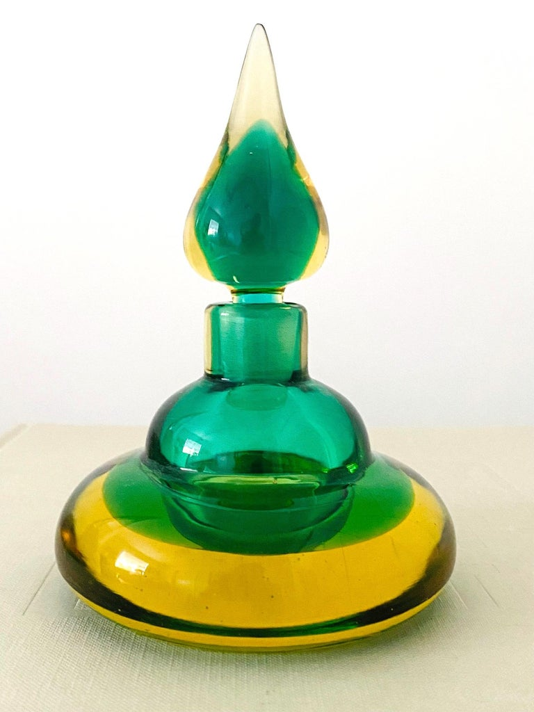 Pair of Murano Glass Bottles in Green and Yellow by Flavio Poli, Italy, c. 1960 For Sale 4