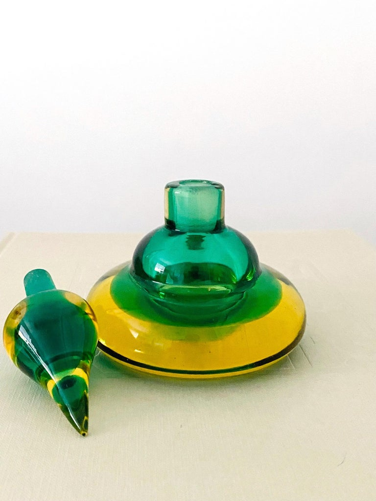 Pair of Murano Glass Bottles in Green and Yellow by Flavio Poli, Italy, c. 1960 For Sale 5