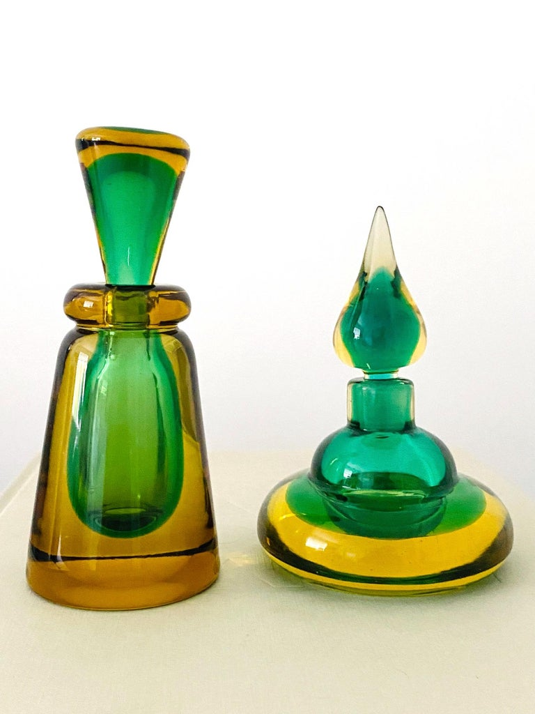 Italian Pair of Murano Glass Bottles in Green and Yellow by Flavio Poli, Italy, c. 1960 For Sale