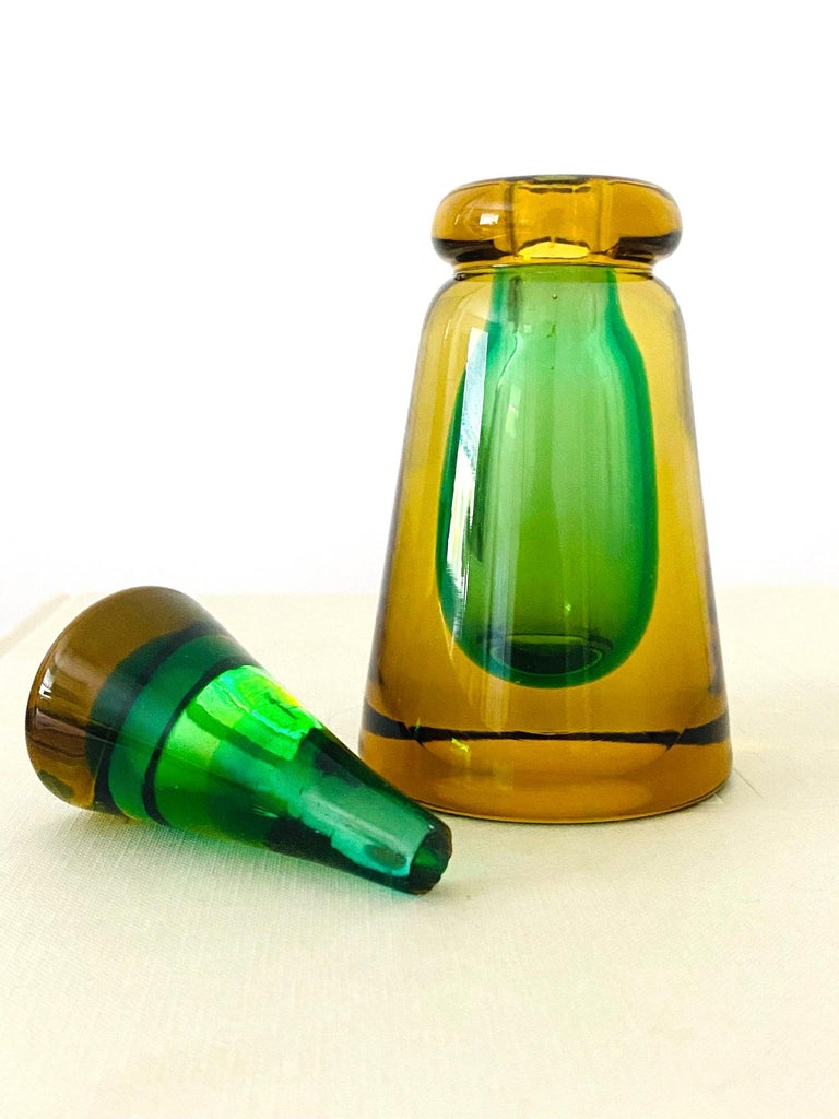 Pair of Murano Glass Bottles in Green and Yellow by Flavio Poli, Italy, c. 1960 For Sale 2
