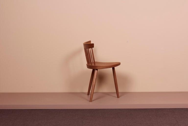 Pair of Nakashima Studio Mira Nakashima Mira Chair in Walnut, US 2021 In New Condition For Sale In Berlin, DE