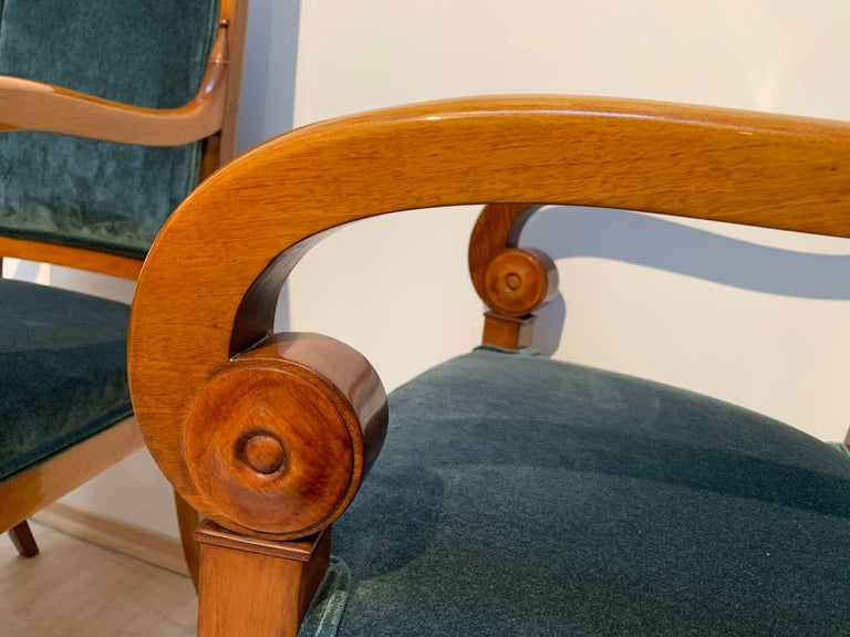 Pair of Neoclassical Armchairs, Walnut Solid, Green Velvet, France, circa 1830 In Good Condition For Sale In Regensburg, DE