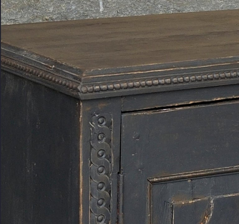 Pair of Neoclassical Cabinets In Good Condition For Sale In Great Barrington, MA