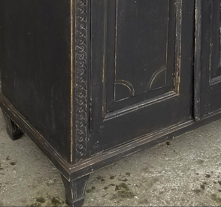 19th Century Pair of Neoclassical Cabinets For Sale