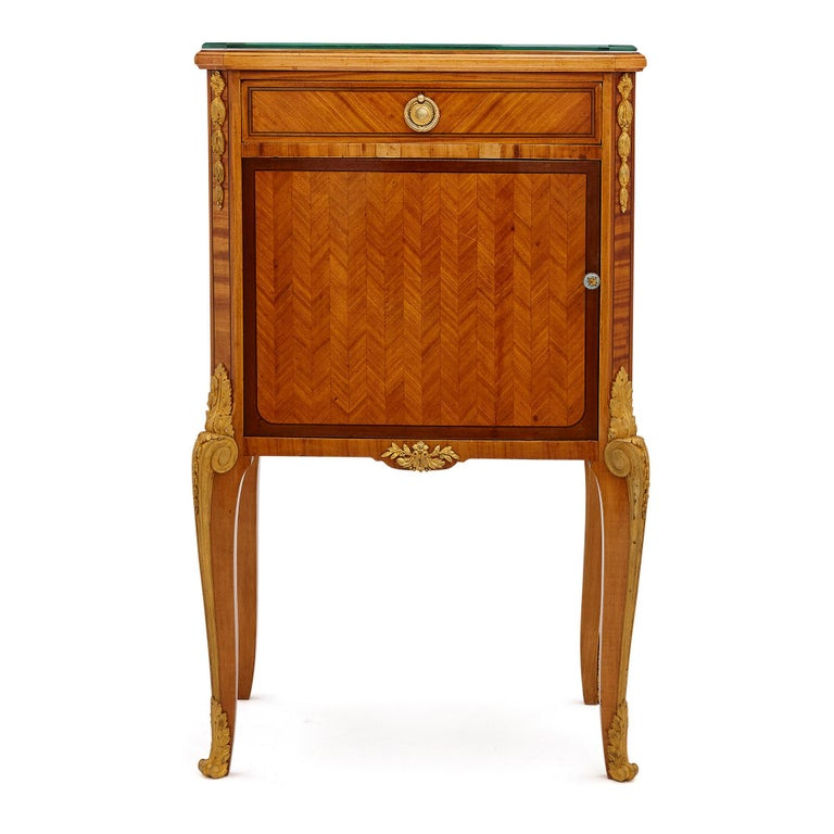 French Pair of Neoclassical Style Bedside Cabinets Retailed by Au Gros Chêne For Sale