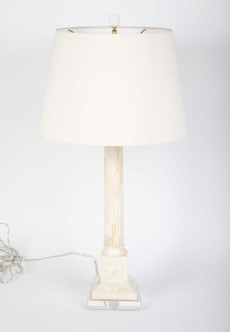 American Pair of Neoclassical Style Mid Century Table Lamps on Lucite Bases For Sale