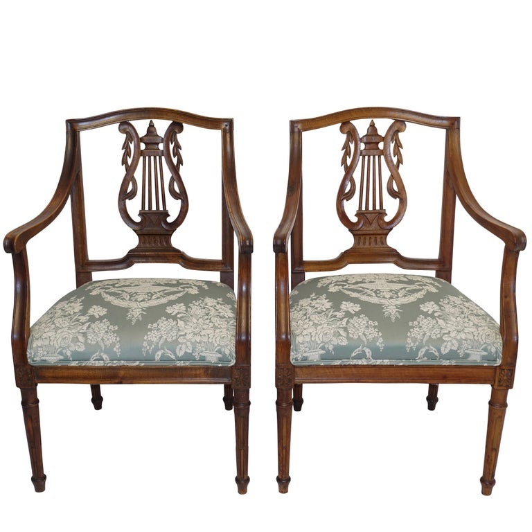 Pair of Neoclassical Walnut Armchairs, Italy, 18th Century For Sale
