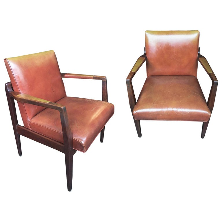 Pair of Newly Restored Midcentury Leather Armchairs in the Style of Jens Risom For Sale