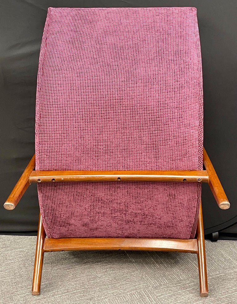Pair of Newly Upholstered Mid-Century Modern Armchairs For Sale 4