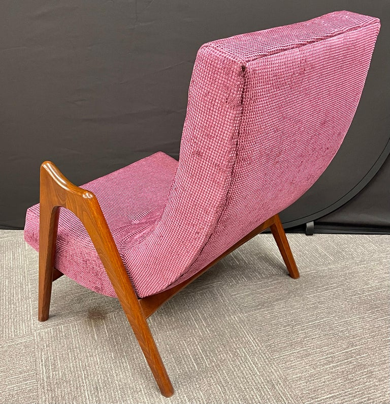 Pair of Newly Upholstered Mid-Century Modern Armchairs For Sale 2